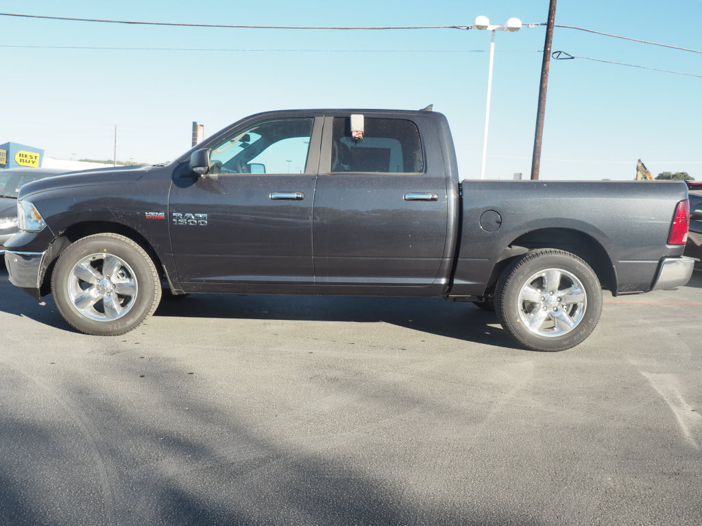2017 Ram 1500 Crew Cab, Pickup #170258 - photo 3