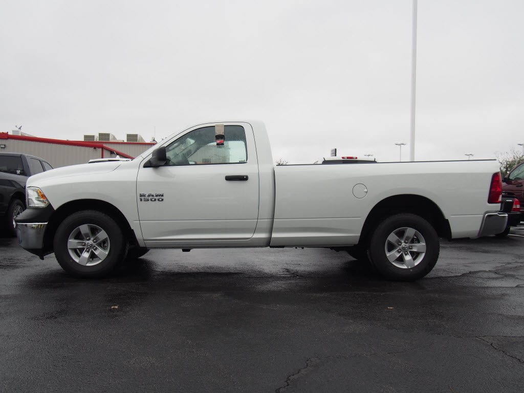 2017 Ram 1500 Regular Cab, Pickup #170563 - photo 3