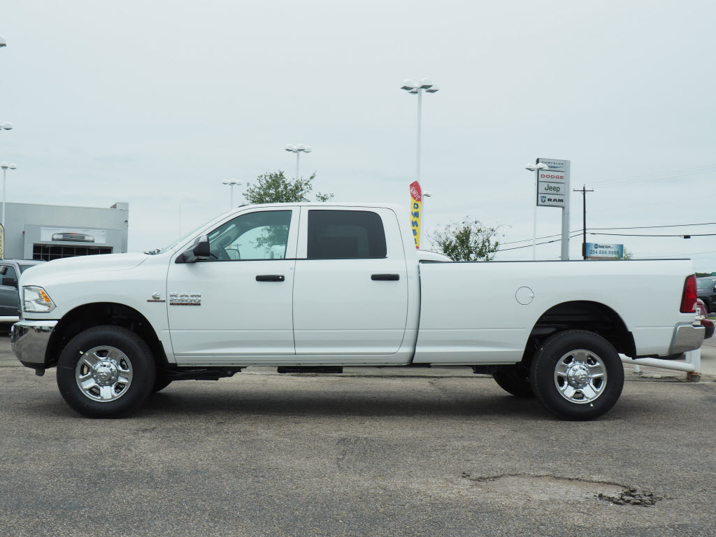 2017 Ram 2500 Crew Cab 4x4, Pickup #170945 - photo 3