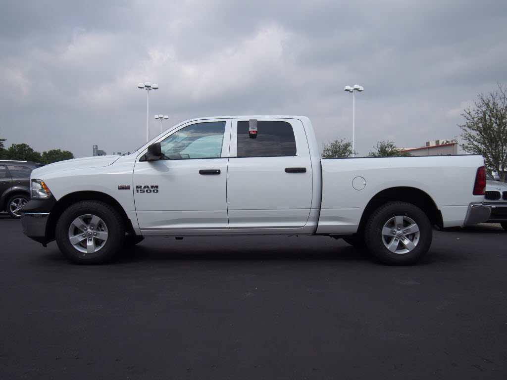 2017 Ram 1500 Crew Cab, Pickup #171013 - photo 2