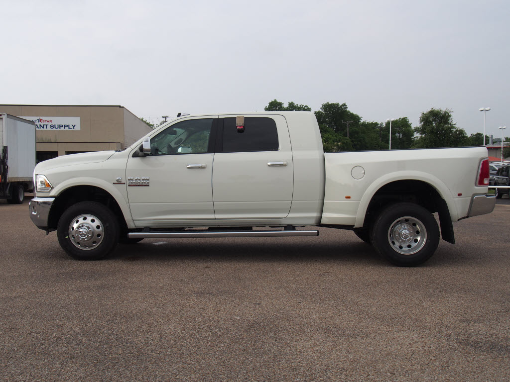 2017 Ram 3500 Mega Cab DRW 4x4, Pickup #171081 - photo 3