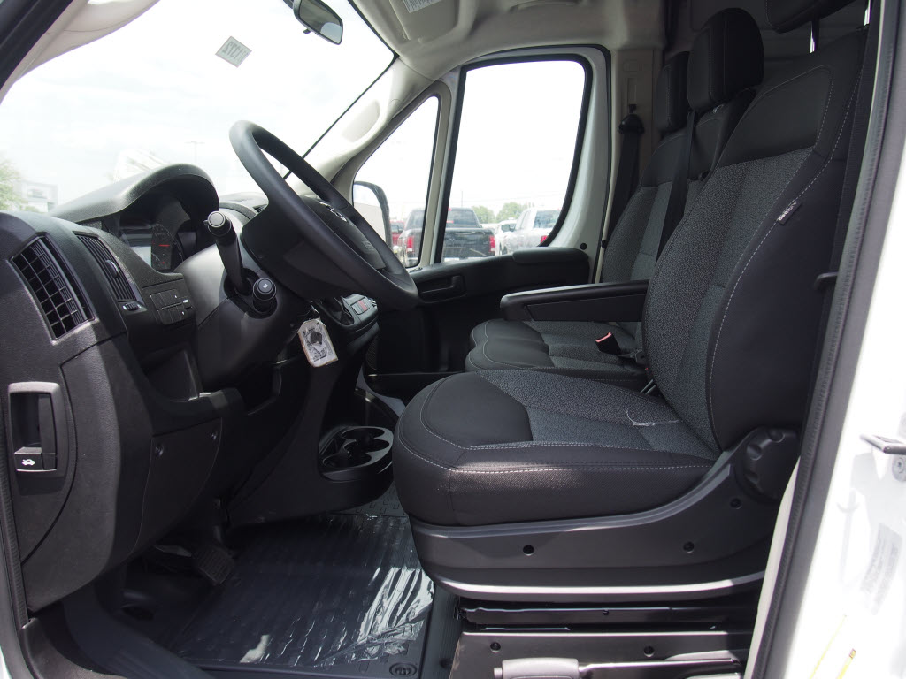 2017 ProMaster 2500 High Roof, Cargo Van #171372 - photo 7