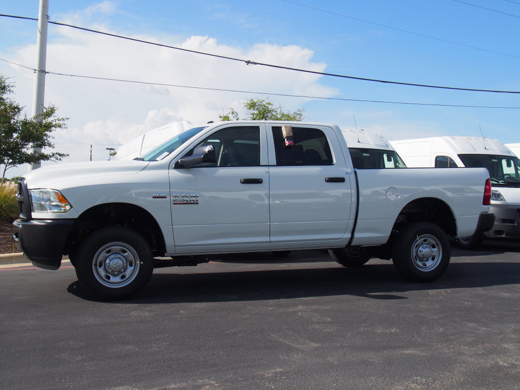 2017 Ram 2500 Crew Cab 4x4 Pickup #171412 - photo 3