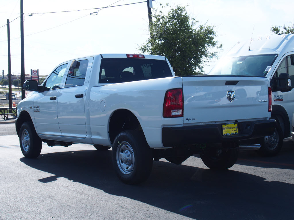 2017 Ram 2500 Crew Cab 4x4 Pickup #171412 - photo 2