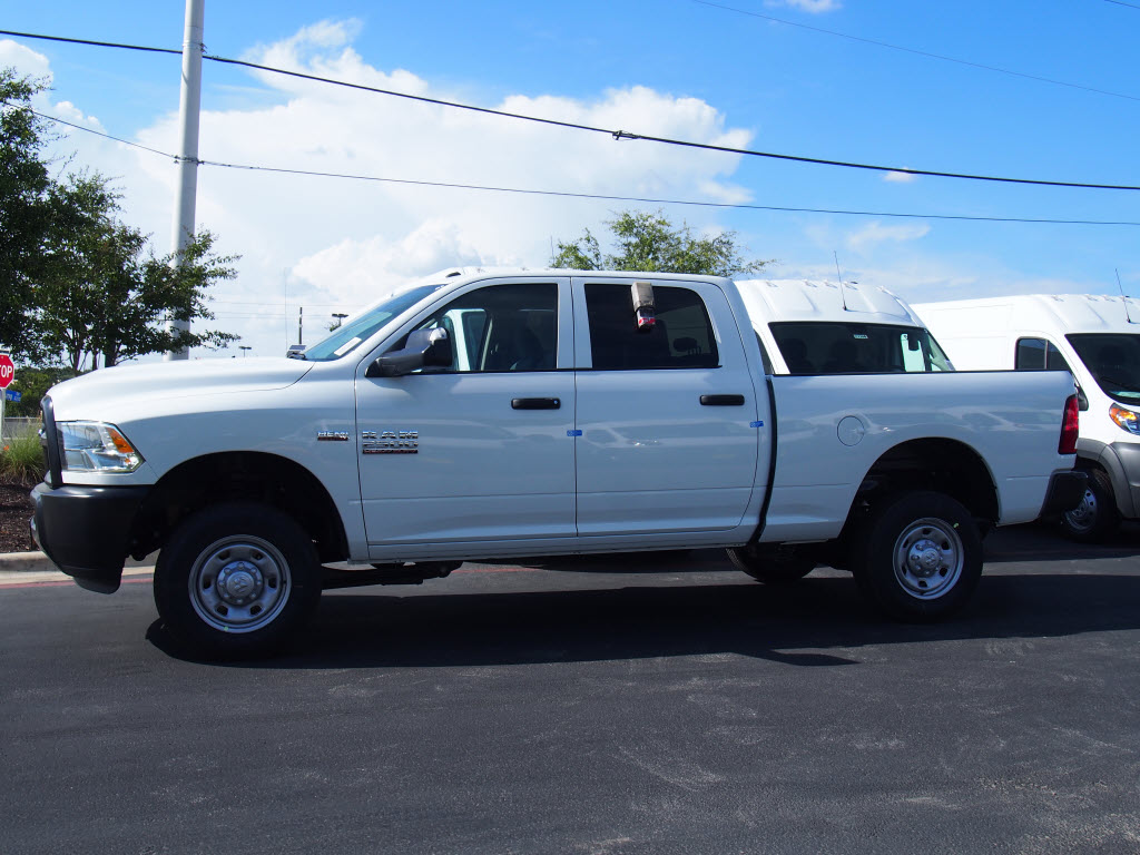 2017 Ram 2500 Crew Cab 4x4 Pickup #171427 - photo 3