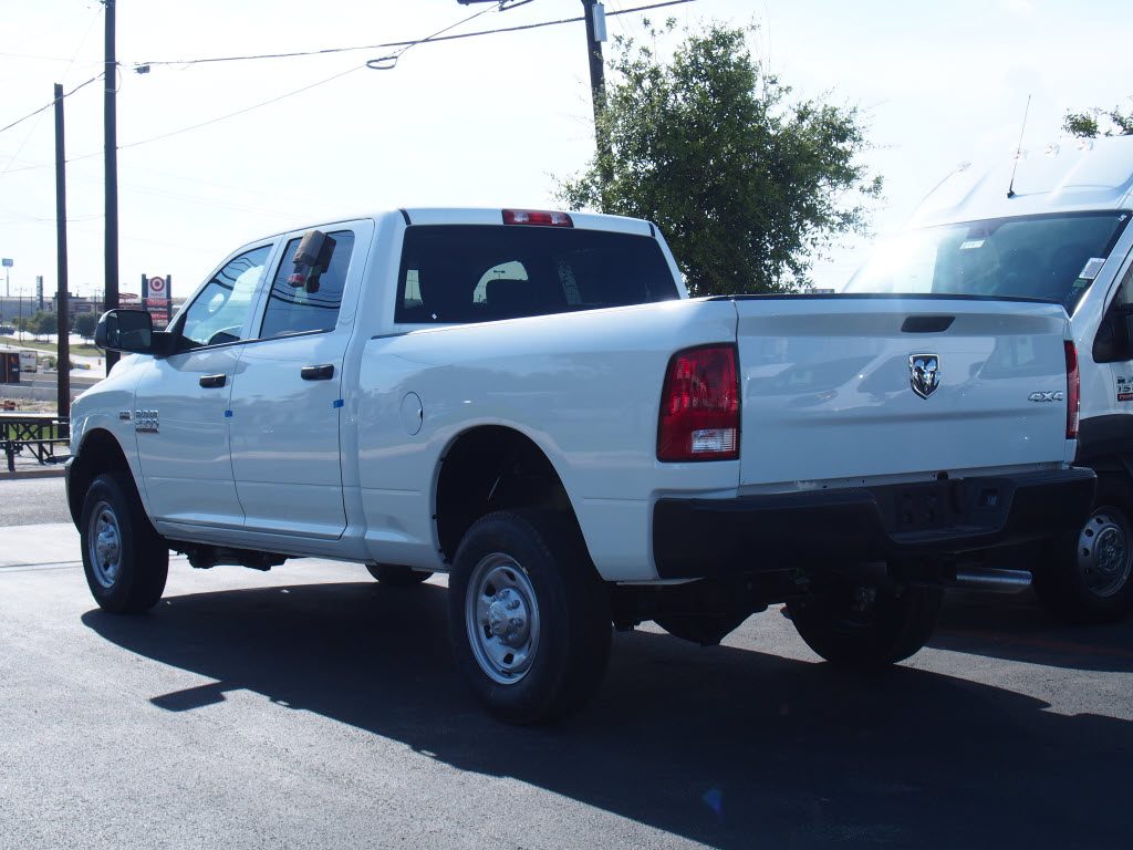 2017 Ram 2500 Crew Cab 4x4 Pickup #171427 - photo 2
