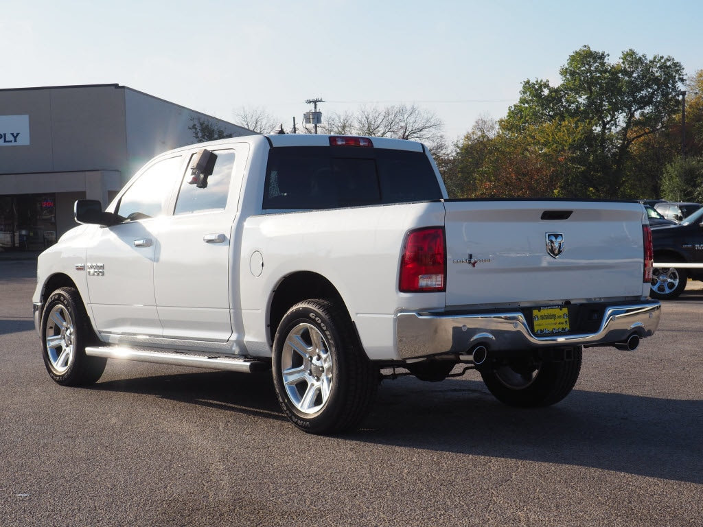 2017 Ram 1500 Crew Cab Pickup #171557 - photo 2