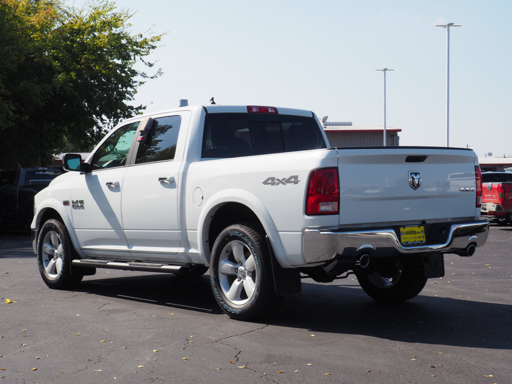 2018 Ram 1500 Crew Cab 4x4, Pickup #180149 - photo 2