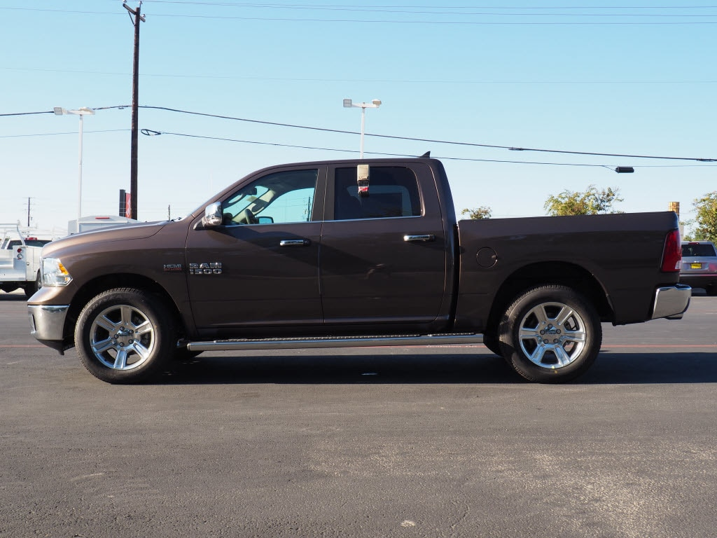 2018 Ram 1500 Crew Cab 4x4 Pickup #180155 - photo 4