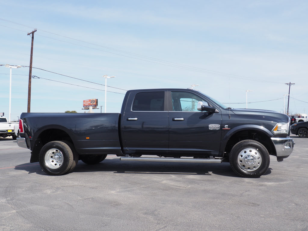 2018 Ram 3500 Crew Cab DRW 4x4, Pickup #180291 - photo 3