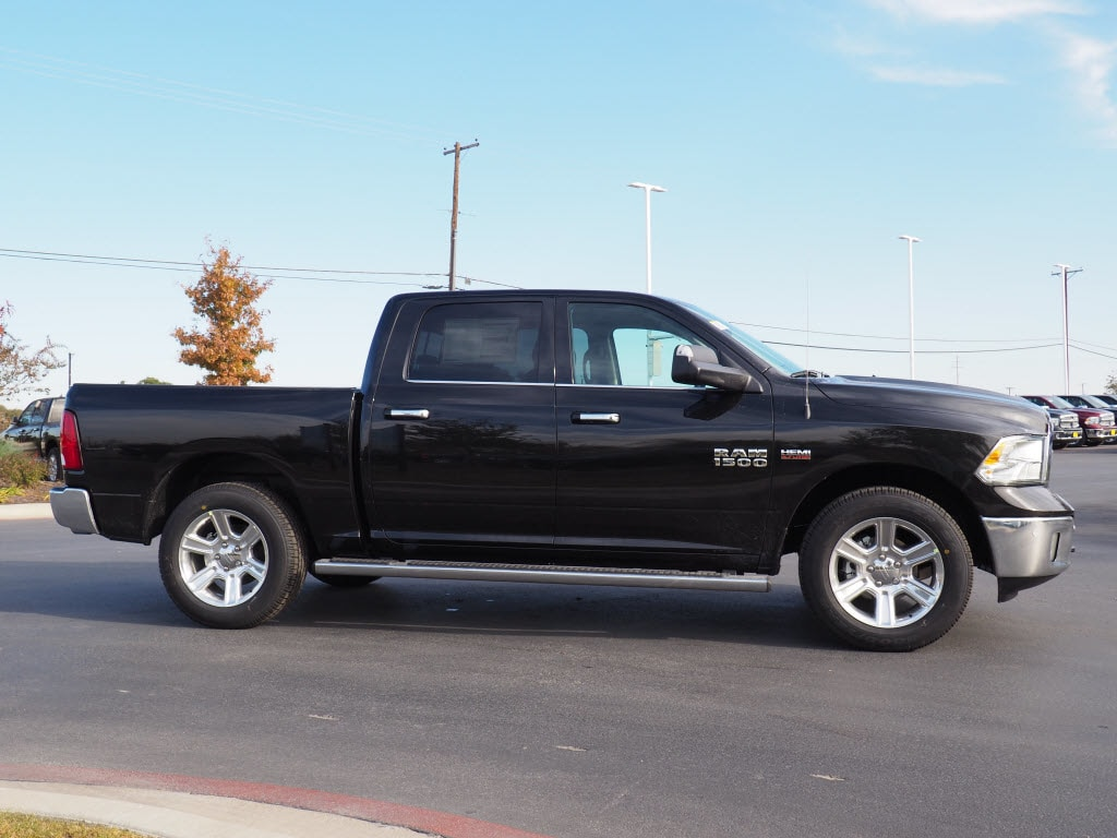 2018 Ram 1500 Crew Cab, Pickup #180319 - photo 3