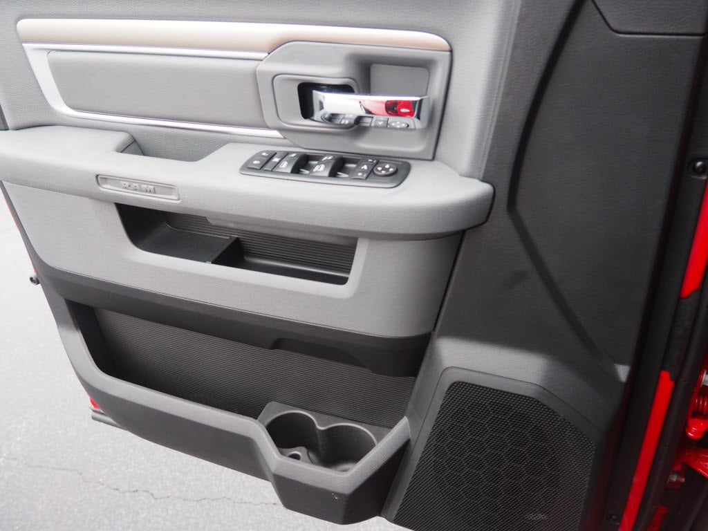 2018 Ram 1500 Crew Cab, Pickup #180580 - photo 7