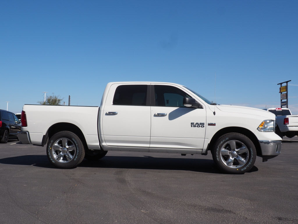 2018 Ram 1500 Crew Cab 4x4, Pickup #180647 - photo 3