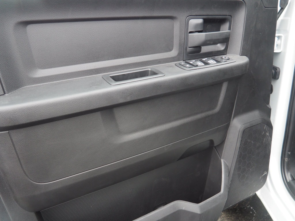 2018 Ram 3500 Crew Cab DRW, Cab Chassis #180672 - photo 7