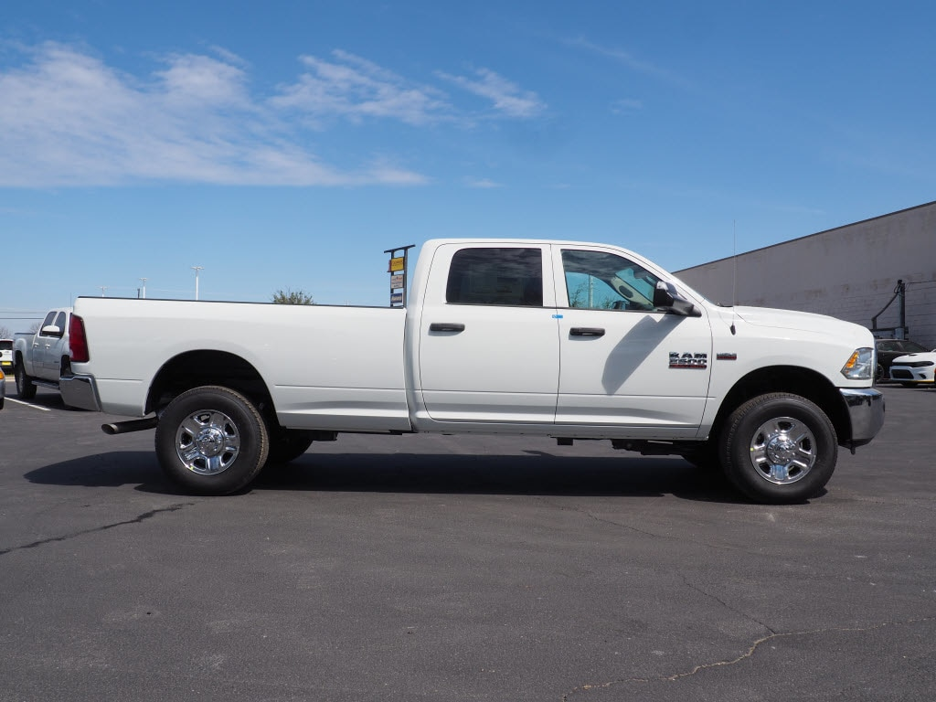 2018 Ram 2500 Crew Cab 4x4, Pickup #180791 - photo 3