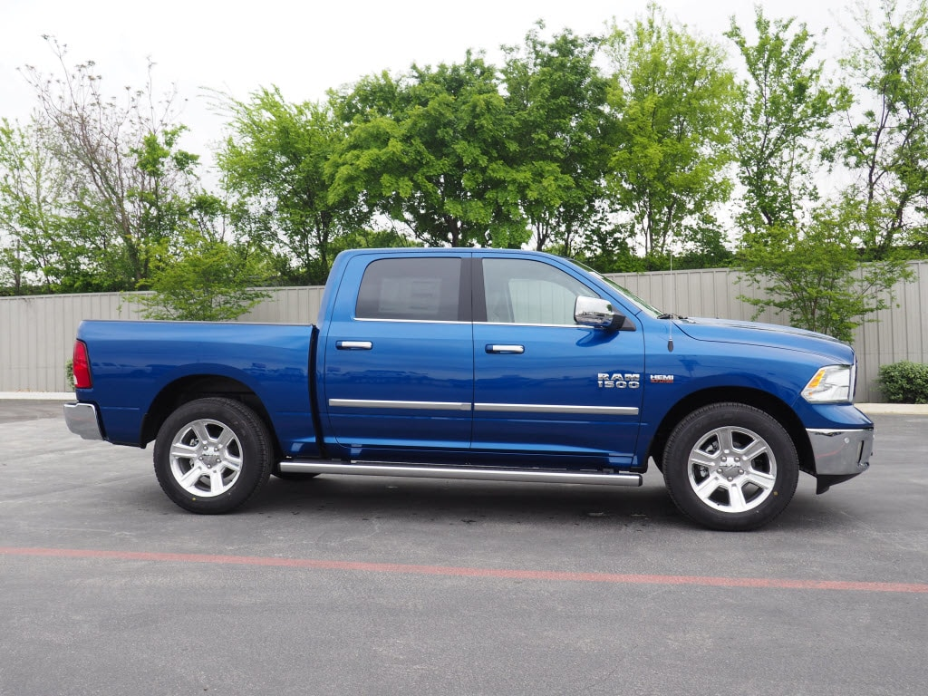 2018 Ram 1500 Crew Cab, Pickup #180809 - photo 3