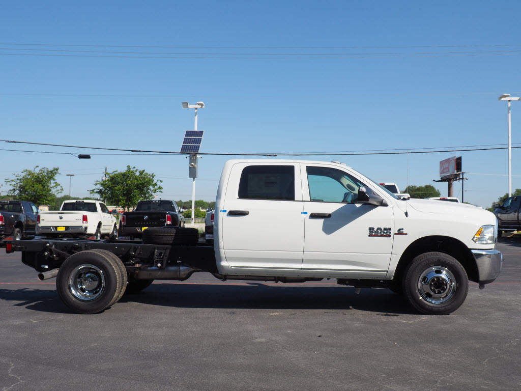 2018 Ram 3500 Crew Cab DRW, Cab Chassis #180863 - photo 2