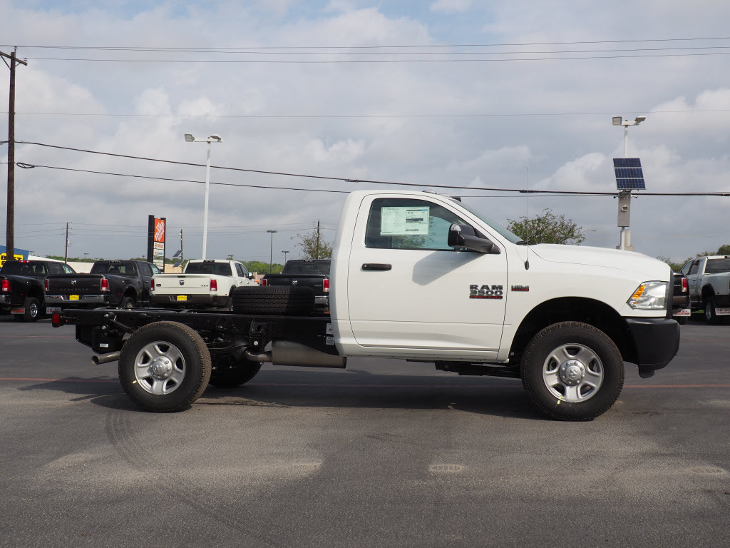 2018 Ram 3500 Regular Cab, Cab Chassis #180869 - photo 3