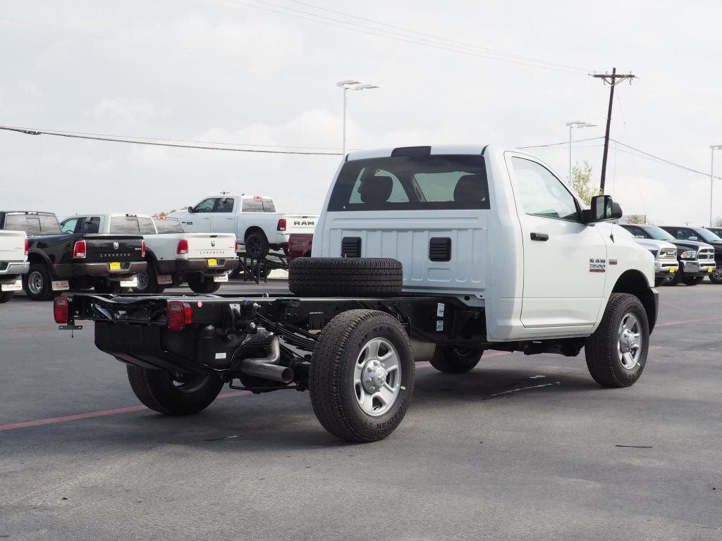 2018 Ram 3500 Regular Cab, Cab Chassis #180870 - photo 2
