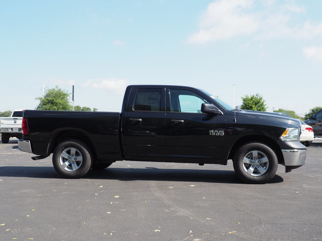 2018 Ram 1500 Quad Cab 4x2,  Pickup #180993 - photo 3