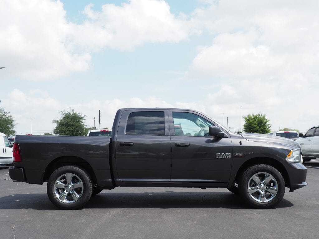 2018 Ram 1500 Crew Cab 4x2,  Pickup #181042 - photo 3