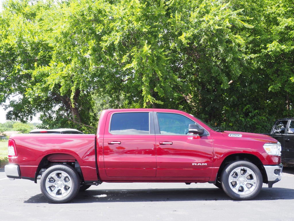 2019 Ram 1500 Crew Cab 4x2,  Pickup #190122 - photo 3