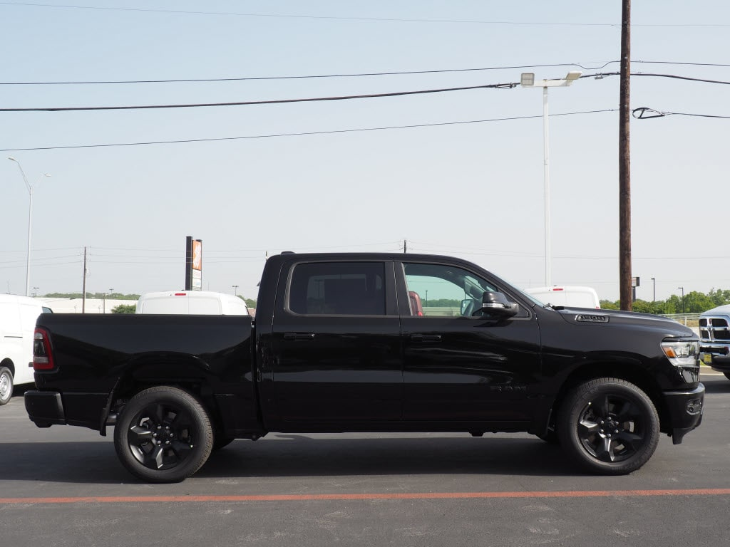 2019 Ram 1500 Crew Cab 4x2,  Pickup #190137 - photo 3
