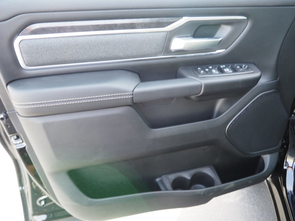 2019 Ram 1500 Crew Cab 4x2,  Pickup #190137 - photo 8