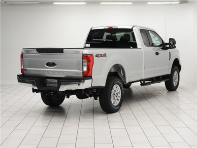 2017 F-250 Super Cab 4x4 Pickup #HEE62496 - photo 2