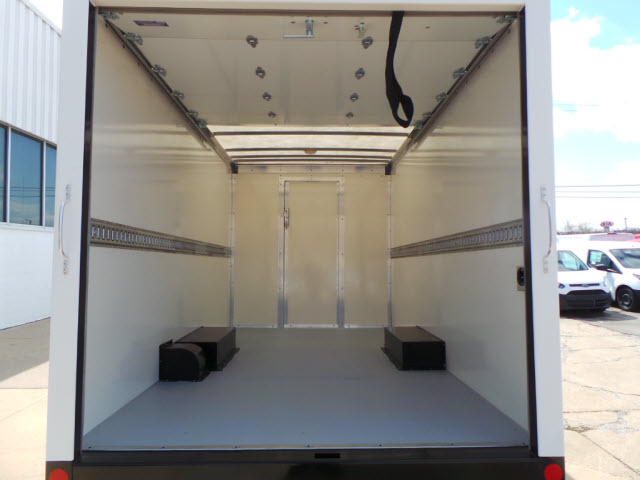2017 E-350, Rockport Cutaway Van #T10377 - photo 5