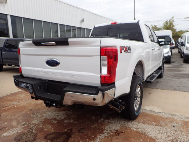 2017 F-250 Crew Cab 4x4, Pickup #T11236 - photo 6