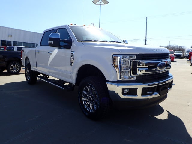 2018 F-250 Crew Cab 4x4, Pickup #T13559 - photo 3