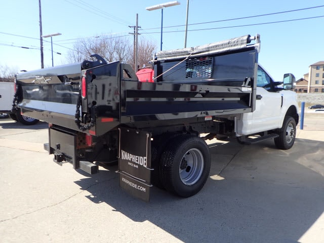 2018 F-350 Regular Cab DRW 4x4, Dump Body #T13750 - photo 4