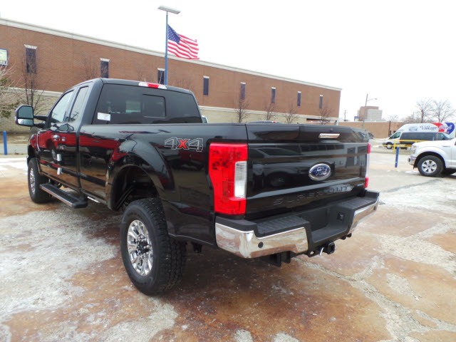 2017 F-350 Super Cab 4x4, Pickup #T9347 - photo 2