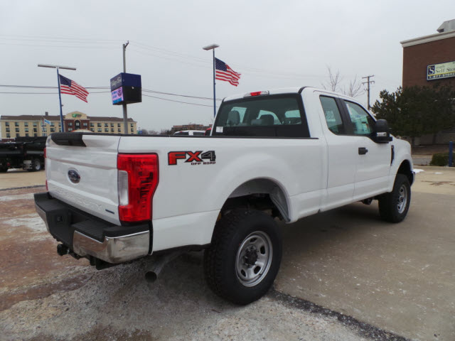 2017 F-350 Super Cab 4x4, Pickup #T9733 - photo 6