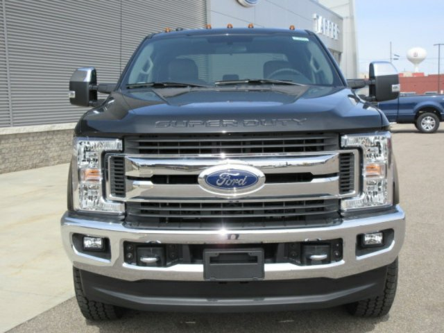 2018 F-250 Crew Cab 4x4, Pickup #F3949 - photo 3