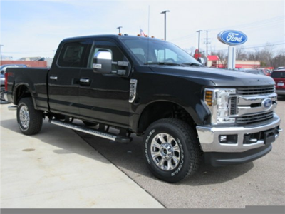 2018 F-250 Crew Cab 4x4, Pickup #F3949 - photo 4