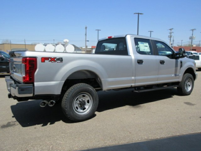 2018 F-350 Crew Cab 4x4,  Pickup #F4008 - photo 5