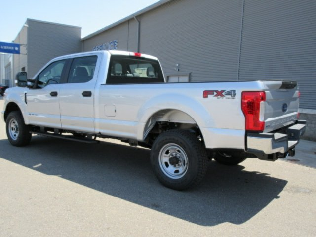 2018 F-350 Crew Cab 4x4,  Pickup #F4008 - photo 2