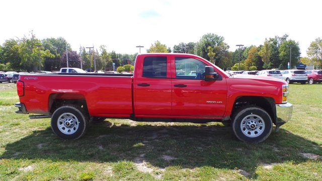 2017 Silverado 3500 Double Cab 4x4, Pickup #HZ387732 - photo 3