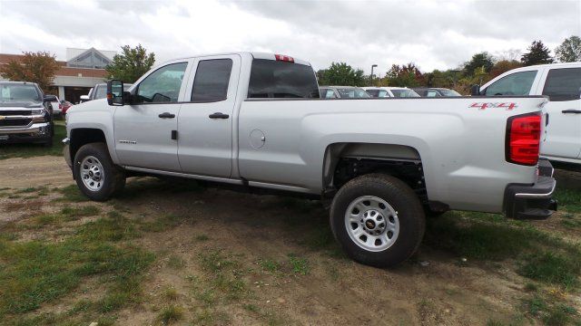 2017 Silverado 3500 Double Cab 4x4, Pickup #HZ390221 - photo 6