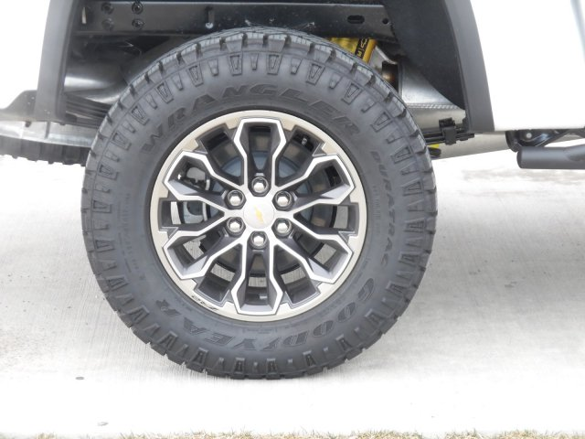 2018 Colorado Crew Cab 4x4,  Pickup #J1160081 - photo 11
