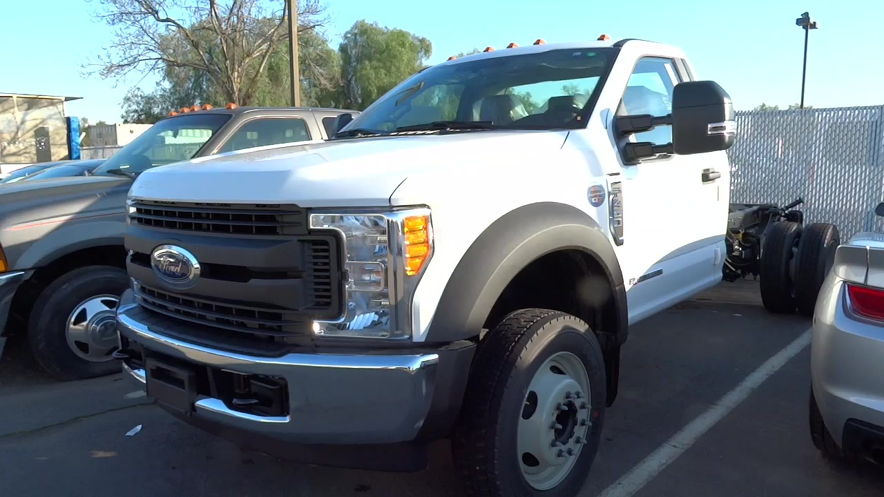 2017 F-450 Regular Cab DRW, Cab Chassis #HEC63838 - photo 3