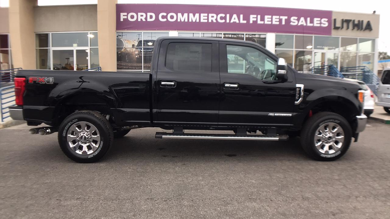 2017 F-250 Crew Cab 4x4, Pickup #HEE83858 - photo 4