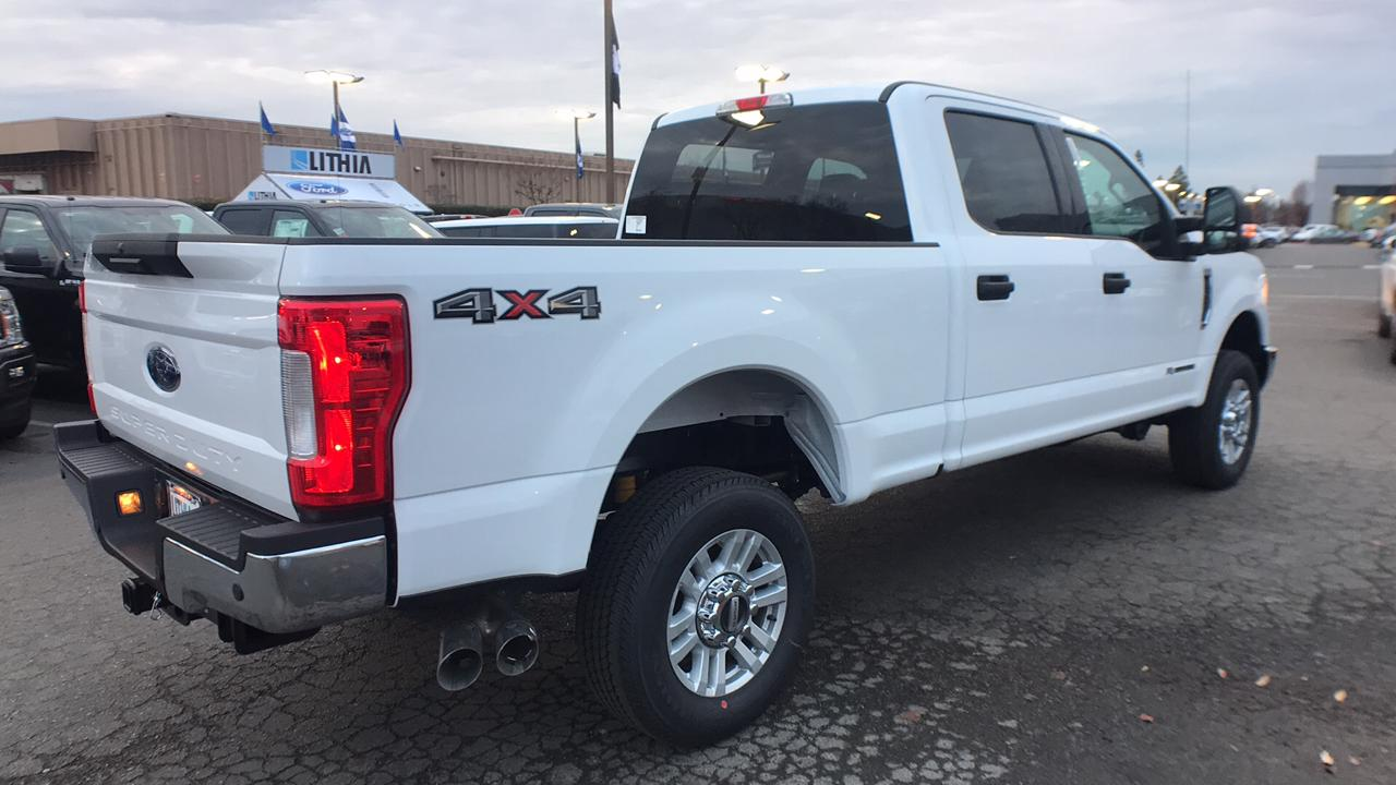 2017 F-250 Crew Cab 4x4, Pickup #HEF49362 - photo 5