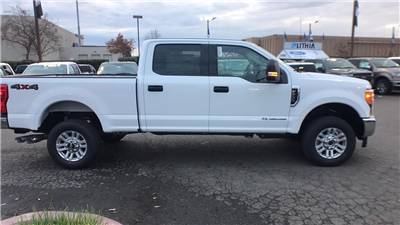 2017 F-250 Crew Cab 4x4, Pickup #HEF49362 - photo 4