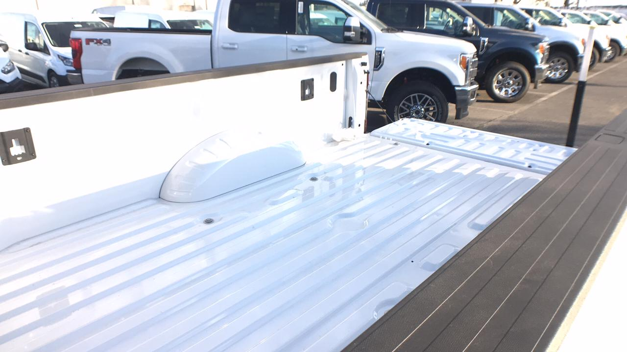 2018 F-350 Crew Cab DRW 4x4, Pickup #JEB20761 - photo 15
