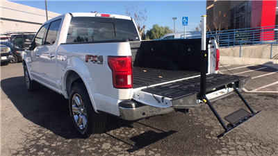 2018 F-150 Crew Cab 4x4, Pickup #JFB29434 - photo 2
