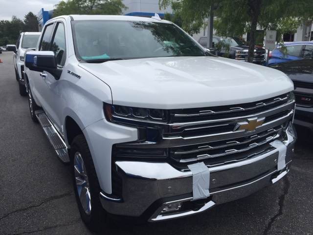 2019 Silverado 1500 Crew Cab 4x4,  Pickup #104067 - photo 3