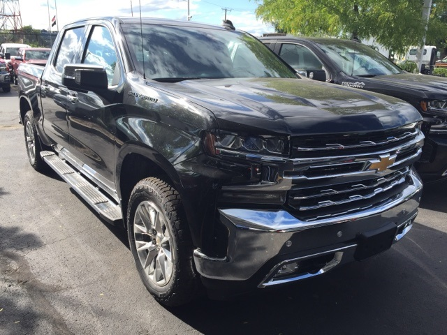 2019 Silverado 1500 Crew Cab 4x4,  Pickup #104784 - photo 3